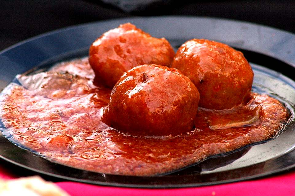 MEAT BALLS WITH HAM
